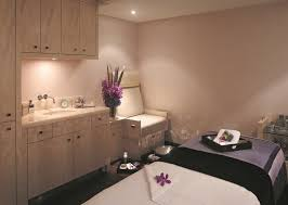 we tried it the elemis targeted toning treatment at the spa at