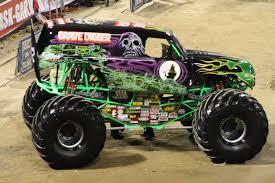 old grave digger monster truck gust gab monster jam 2010
