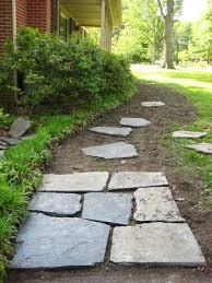 Backyard Walkway Ideas by Best 25 Outdoor Walkway Ideas On Pinterest Diy Walking Path