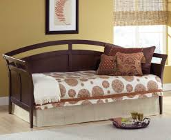 Queen Bed With Twin Trundle Daybed Queen Daybed With Trundle Charismatic Full Size Daybeds