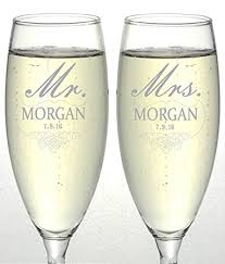 personalize wedding gifts set of 2 personalized wedding chagne flutes mr
