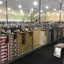 designer shoe outlet dsw designer shoe warehouse 17 photos shoe stores 19075