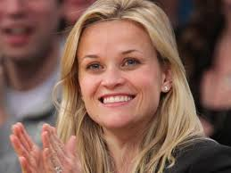 reese witherspoon engagement ring reese witherspoon flashes 250k engagement ring nbc southern