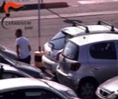 si e auto auchan furti nel parcheggio dell auchan bucavano gomme per rubare nelle