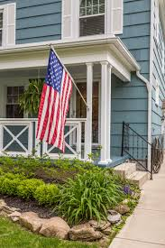 Porch Flag Minister Realty203 E Royal Forest Bl Minister Realty