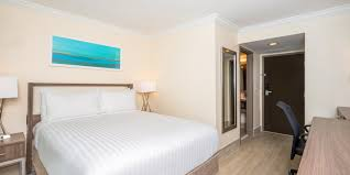 holiday inn express u0026 suites nassau hotel by ihg