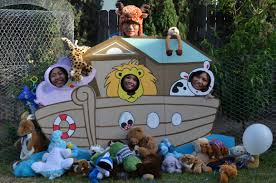 photo booth for noah u0027s ark themed baby shower event ideas