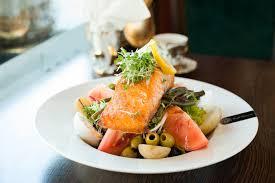 restaurant cuisine nicoise salad salmon nicoise grand caffe concerto nicoise