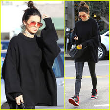 jenner sweater kendall jenner posts pic of herself in bed kendall jenner