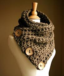 crochet cowl with wooden button 10 unique and free crochet