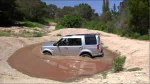 lifted land rover lr4 land rover lr4 fording at the land rover experi with loop