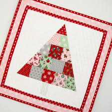 christmas tree mini quilt u0026 pillow pdf pattern she quilts alot