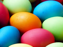 how to naturally dye easter eggs kids love helping