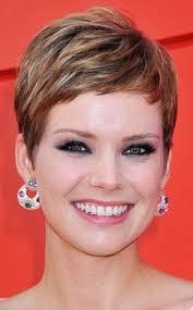 how tohi lite shirt pixie hair short hairstyles for women new look 13 jpg 346 557 pixels