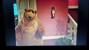 bear in the big blue house pop goes the weasel youtube
