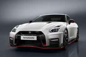 nissan nismo race car 2016 nissan gt r overview cars com