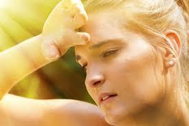 ständige schweißausbrüche schwitzen durch vitamin d mangel ursachen