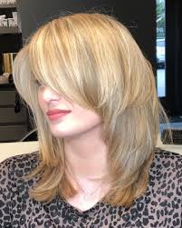 what tyoe of haircut most complimenta a square jawline 21 perfect medium hairstyles for square faces popular for 2018