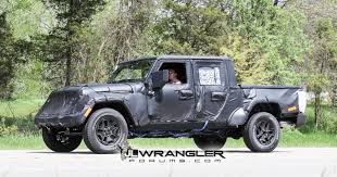 jeep truck spy photos new spy photos of the 2019 jt wrangler pickup truck extremeterrain