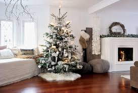 Pictures Of Christmas Decorated Homes Living Room Cozy Christmas Decorated Homes 45 1 Kindesign Jewcafes