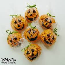 Halloween Food For Party Ideas easy halloween pumpkin snack bags kitchen fun with my 3 sons