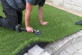 Laying Patio Slabs Tips And Guide On How To Lay Fake Grass On Paving Slabs