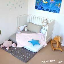 sol chambre bébé lit au sol montessori pour bébé chambre et aménagements