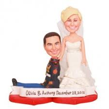 and chain cake topper and groom personalised wedding cake toppers