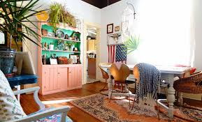 Maximalist Style by A Hairstylist And Chef U0027s Maximalist Atlanta Ga Rental U2013 Design Sponge