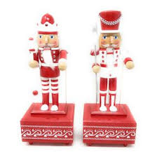 traditional wooden nutcrackers uk world