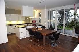 küche mit esstisch küche mit kochinsel kochinsel mit integriertem esstisch bilder