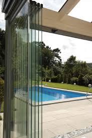 windschutz balkon plexiglas sichtschutz balkon plexiglas windschutz auf rollen glasprofi