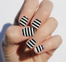 nail art in black and white bea u0027s beauty