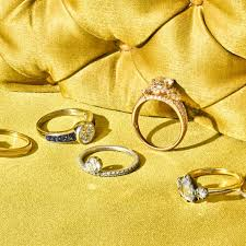how to shop for an engagement ring engagement ring shopping 101 shopping tips for how to buy a