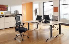 Schreibtisch Mit Kufen Schreibtisch Palmega Palmberg Büroeinrichtungen Service Gmbh
