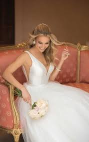 sle wedding albums 489 best classic wedding dresses images on wedding