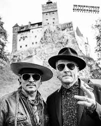 Dracula S Castle Alicecooper Com Hollywood Vampires Visit Draculas Castle In