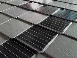 piastrelle fotovoltaiche tegole di ardesia ceramica ardogres e tegole fotovoltaiche