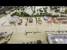 Seeking Houston Thousands Seeking Refuge From Harvey Fill Houston Shelter