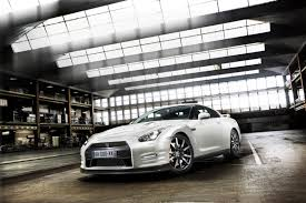 nissan gtr maintenance cost nissan offers three years of free service for 2011my gt r in the uk