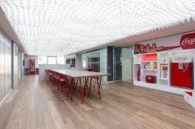 siege coca cola les nouveaux locaux de coca cola en aménagements de bureaux