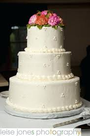 how much do wedding cakes cost costco wedding cake wedding photography