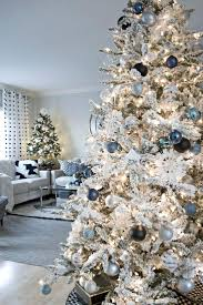 Black And White Living Room Ideas by Best 25 Blue Christmas Decor Ideas On Pinterest Blue Christmas