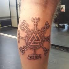 die besten 25 wikinger kompass tattoo ideen auf pinterest
