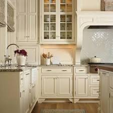 kitchen backsplash ideas with cream cabinets kitchen backsplash for cream cabinets photogiraffe me