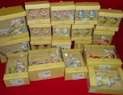 eighteen villeroy boch ornaments from series such as flower