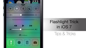 turn light on iphone how to quickly turn off flashlight in ios 7 iphone hacks youtube