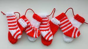 knit christmas a knitted christmas garland christmas ideas