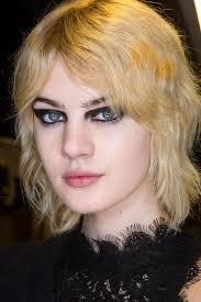 bib haircuts that look like helmet shag haircut trend inspirational hairstyling and haircut ideas