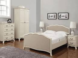 Distressed Oak Bedroom Furniture by Modern White Bedroom Furniture Redcliffe Headboard Style Mahogany